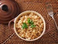 Рецепта Кафяв ориз с телешки бульон и чесън на прах на фурна
